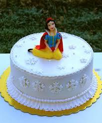 snow white cake ideas 84532 snow white cake cake ideas pin