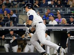Aaron Judge Breaks Joe Dimaggio S Yankees Rookie Home Run Record - sportsreport aaron judge ties dimaggio for rookie home runs wamc