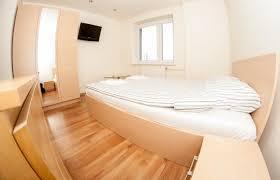 Schlafzimmerm El Aus Polen Apartament Pobiedna Polen Pobiedna Booking Com