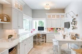 office de cuisine peinture gris perle meubles de cuisine en blanc neige coin bureau