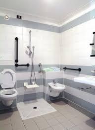 barrierefrei badezimmer das badezimmer barrierefrei umbauen