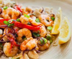cuisiner des crevettes riz aux crevettes et oignons recette de riz aux crevettes et