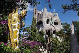 Crazy Houses Meetingsbooker Com 19 Bizarre But Beautiful Hotels You Have To