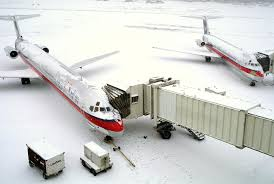 thanksgiving travel weather storm warnings how do airlines know if it u0027s safe to fly in bad