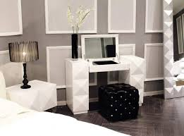 Contemporary Italian Bedroom Furniture White Lacquer Modern Vanity With Folding Mirror And Silky Pouf