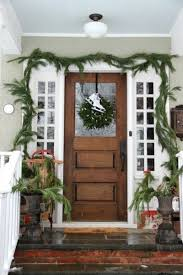 Christmas Porch Railing Decorations by 14 Front Porch Christmas Decor Ideas That Will Make The Neighbors