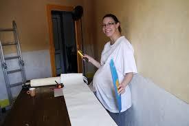 tapisserie chambre bébé tapissage travaux chambre bébé sofaia30 photos doctissimo