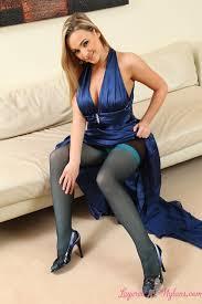 Women in stockings sucking cock   Thepicsaholic com