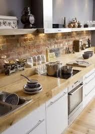 credence cuisine imitation un mur en brique c est stylé en déco de cuisine