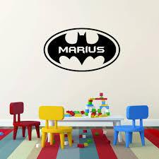 batman navne sticker med batman logo og barnets eget navn