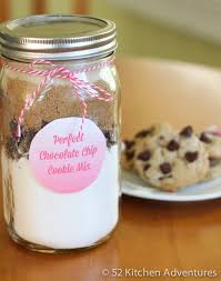 diy chocolate chip cookie mix in a jar