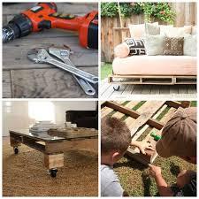 fabriquer canapé fabriquer salon de jardin en palette de bois tuto canapé et table