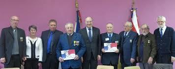 bureau ancien combattant valence d agen fnaca le comité cantonal met ses porte drapeaux à