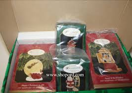 hallmark 1997 membership kit includes 4 ornaments collect a