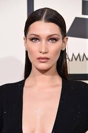 best grammy 39 s hair makeup 2016 bella hadid who arrived on the arm of boyfriend red carpet 2016 hair