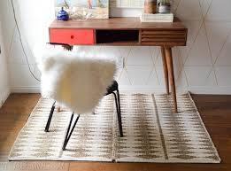 How To Make A Area Rug by Basic Diy How To Make A Rug With A Paperclip Vintage Revivals