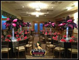 Centerpiece With Feathers by Anyone Using Ostrich Feather Centerpieces Weddingbee