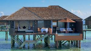3 amazing maldives water villas with glass floor for 2017