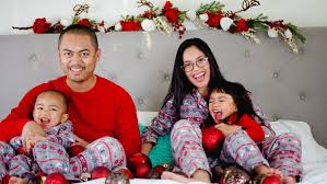 family christmas 12 memorable christmas tradition ideas to do with your family