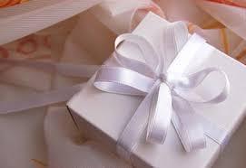 un cadeau de mariage contribution et cadeaux de mariage l étiquette coup de pouce