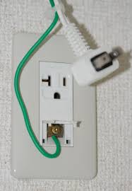 electrical japanese appliance has a green yellow ground wire