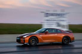 nissan fast car how fast is the 2017 nissan gt r news cars com