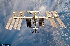 North Dakota how fast does the space station travel images Nasa wants to 39 move out 39 of the iss and focus on the moon and mars jpg