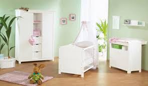 comment décorer la chambre de bébé comment decorer la chambre de bebe maison design bahbe com