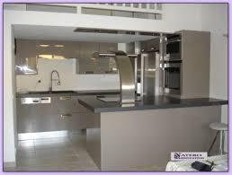 cuisine laquee cuisine laquee cuisine moderne laqu e gris patine gris fonc gilles