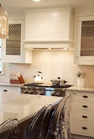 White Onyx Vanity Backsplash Design Ideas - Onyx backsplash