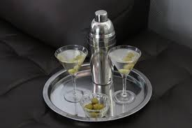 martini glass with olive martini u2013 itsmyhappyhour
