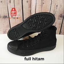 Sepatu Converse Black sepatu converse kulit sintetis black tokobelibeli