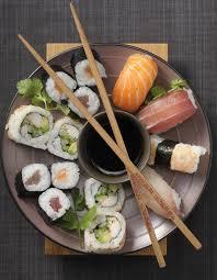 cours de cuisine sushi on a testé un cours de sushi au labo culinaire à table