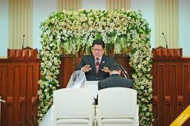 wedding flowers ni errol and diorella s tagaytay wedding larry leong