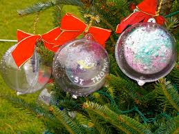 decorating clear plastic ornaments lights