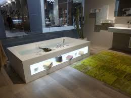 Riesige Badewanne Salone Bagno Die Größte Badezimmermesse Der Welt