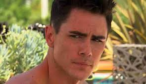 tom scandovals haircut who is vanderpump rules tom sandoval ok here s the situation