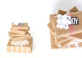 christmas kraft wrapping paper three easy kraft paper gift wrapping ideas