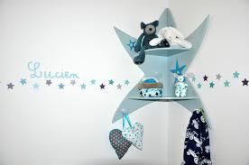 étagères chambre bébé une chambre d enfant étoilée flying mamaflying