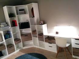 bibliothèque avec bureau intégré bibliotheque bureau bibliotheque murale multi cases avec tiroirs