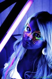 blacklight shoot by midoriphotography via flickr tips tricks