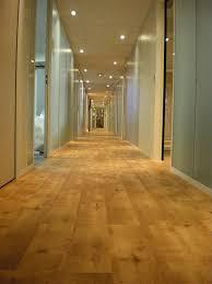 revetement de sol cuisine pvc revêtements de sol bureau et boutique dalles pour sol pvc de bureau