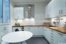 cuisine appartement parisien location appartement 2 chambres avec terrasse et ascenseur 1