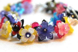 diy beaded flower bracelet images Flower bracelet tutorial emerging creatively jewelry tutorials jpg