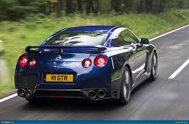 nissan gtr fuel consumption ausmotive com nissan gt r u2013 my11 specs released