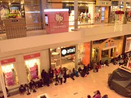 black friday shoppers pack willowbrook mall thanksgiving