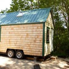 this is what it u0027s like to live in a tiny house in maine