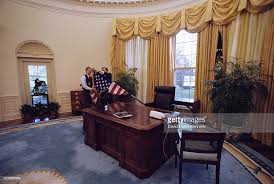 Oval Office White House Changing Of The Guard Pictures Getty Images