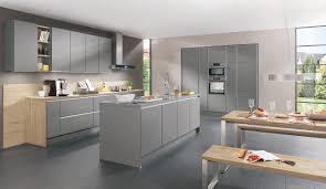 holzherd küche moderne kuche grau weis mit holzherd altes haus im fachwerkhaus