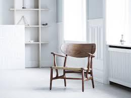 wegner swivel chair carl hansen u0026 søn ch22 lounge chair by hans j wegner 1950